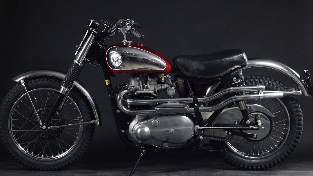 BSA A10 Rocket Goldstar Custombike Restoration Motorrad Umbau